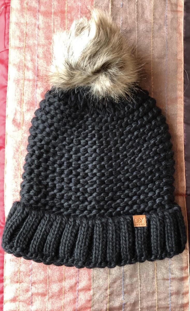 52548f25 Black Beenie with Faux Fur Pom – Glamhairus